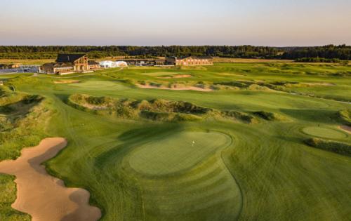 Golf und Paläste im Venedig des Nordens