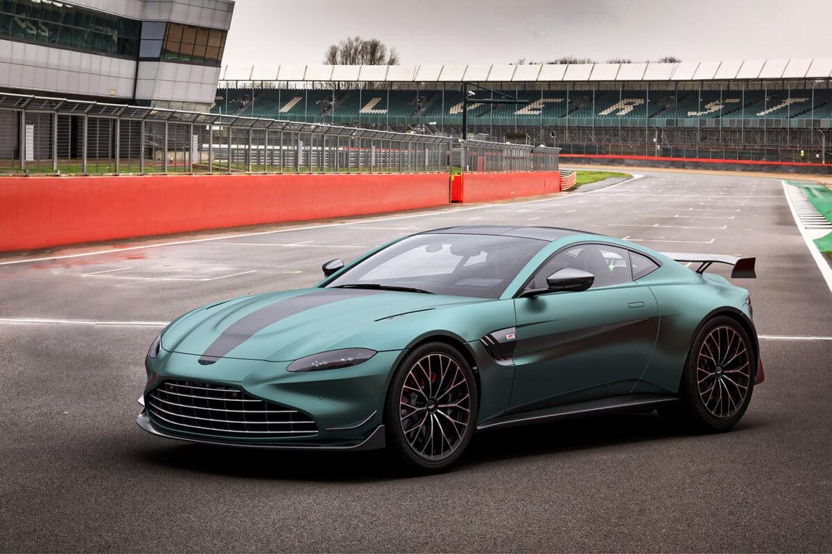 Aston Martin: Schneller am Golfplatz